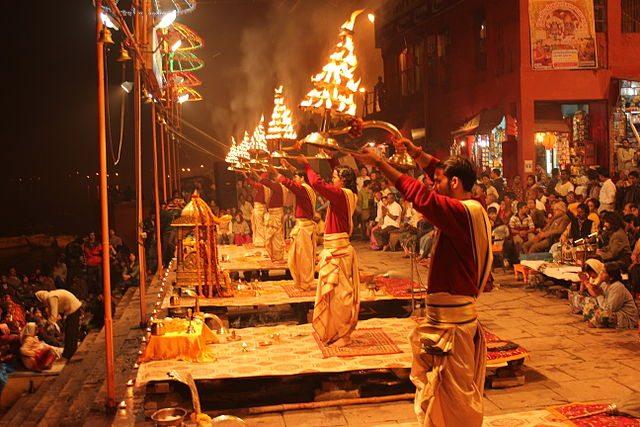 evening_ganga_aarti_at_dashashwamedh_ghat